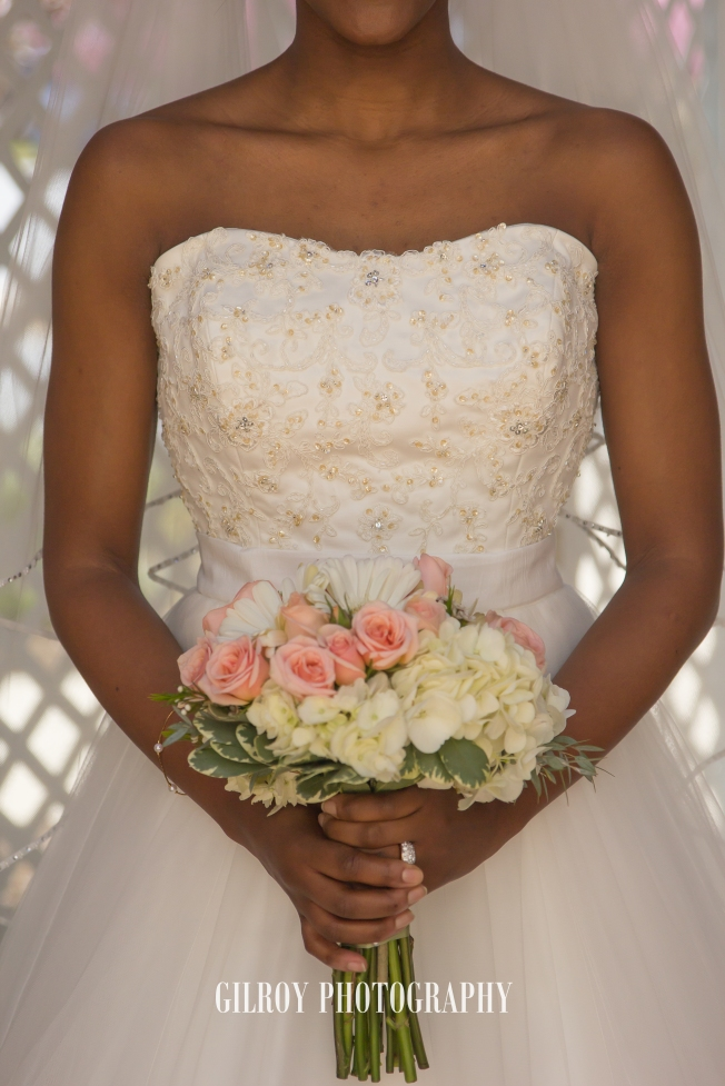 Lovely springtime coral bridal bouquet! - image courtesy of Gilroy Photography
